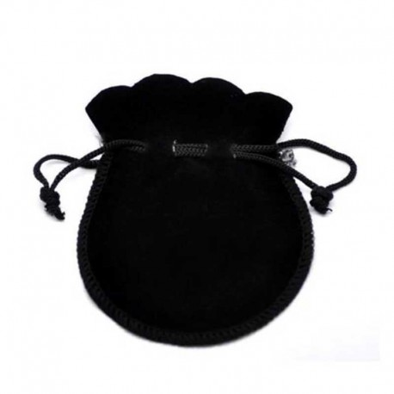 Gaveposer små sorte smykkeposer af fløjl med snørelukning